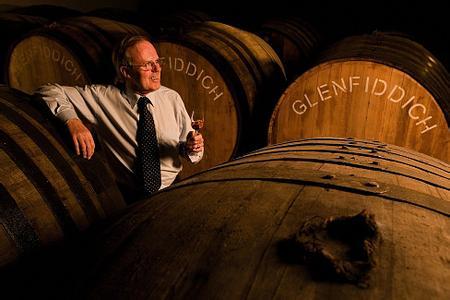 橡木桶如何影响葡萄酒口感?_法国红酒葡萄酒文化_红酒